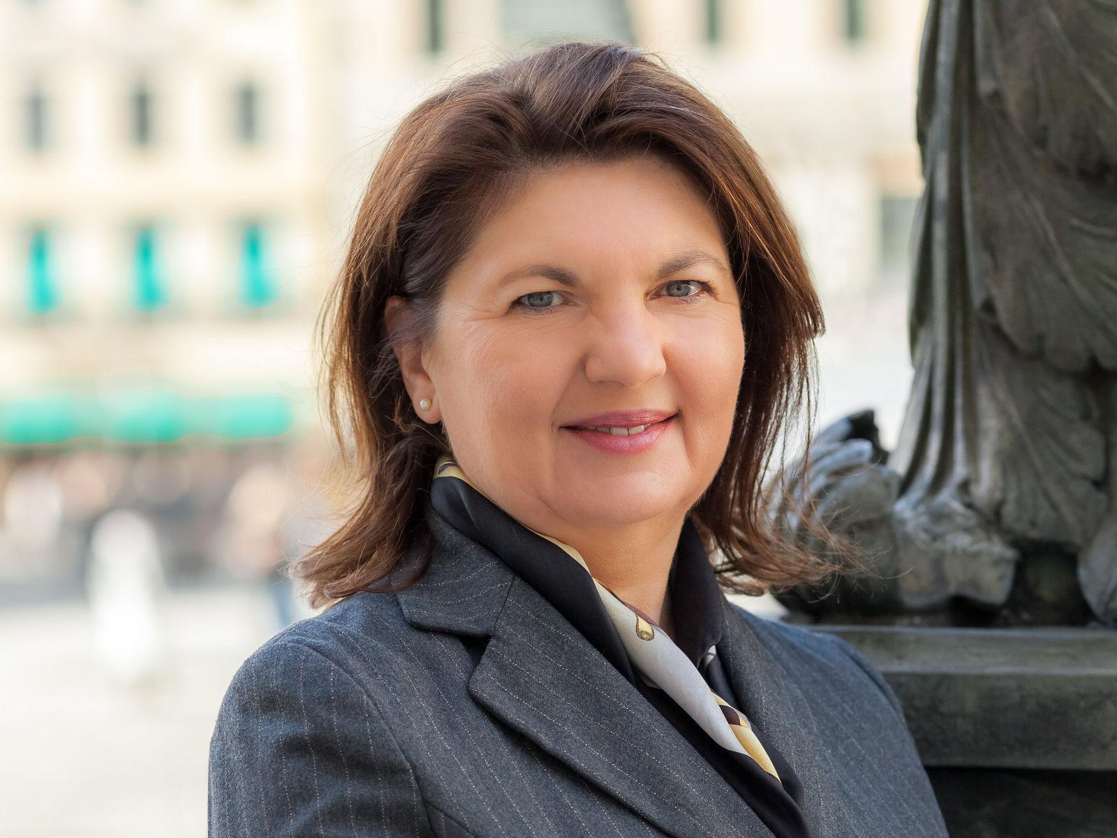 Porträt Rechtsanwältin Gabriele Dietrich aus München